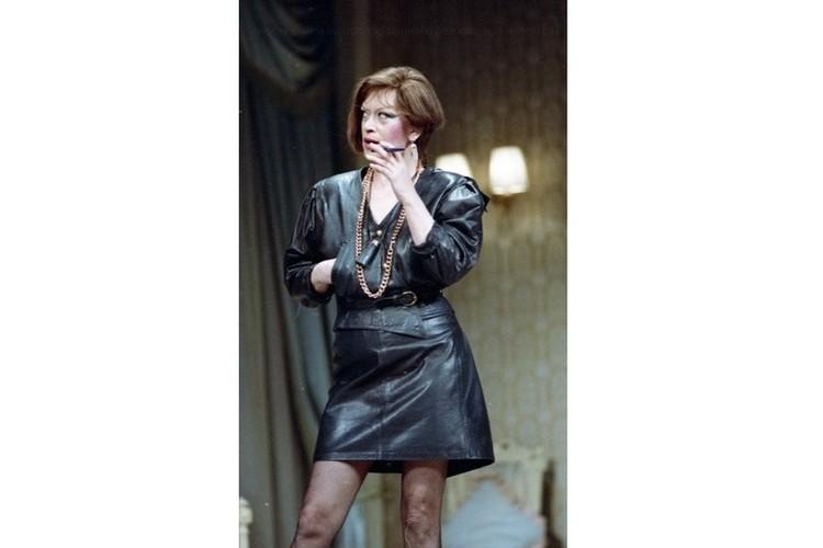 Алисе Фрейндлих под силу любые образы и роли - и скромницы, и роковой красотки. Такой, например, она предстала перед зрителями в 1985 году в спектакле «Этот пылкий влюбленный». Фото: Большой драматический театр имени Г. А. Товстоногова