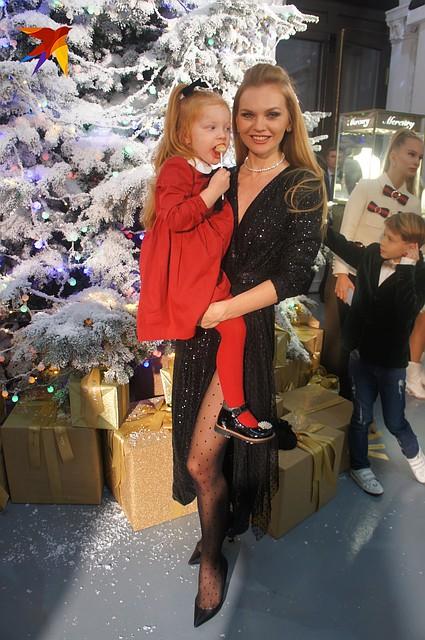 Елена Кулецкая с дочкой Фото: Алена МАРТЫНОВА