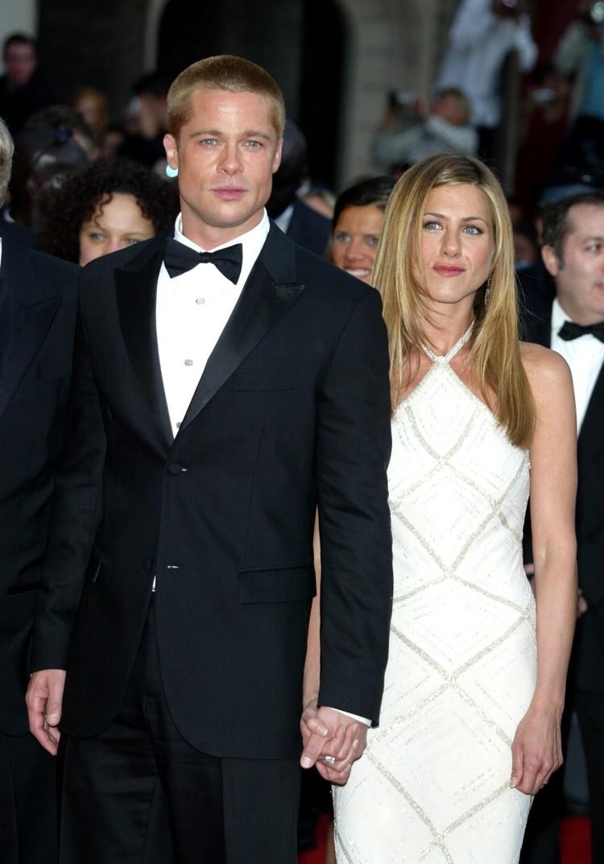 Брэд и Джен оба появятся на «Золотом глобусе», и всем интересно, как экс-супруги будут вести себя друг с другом.