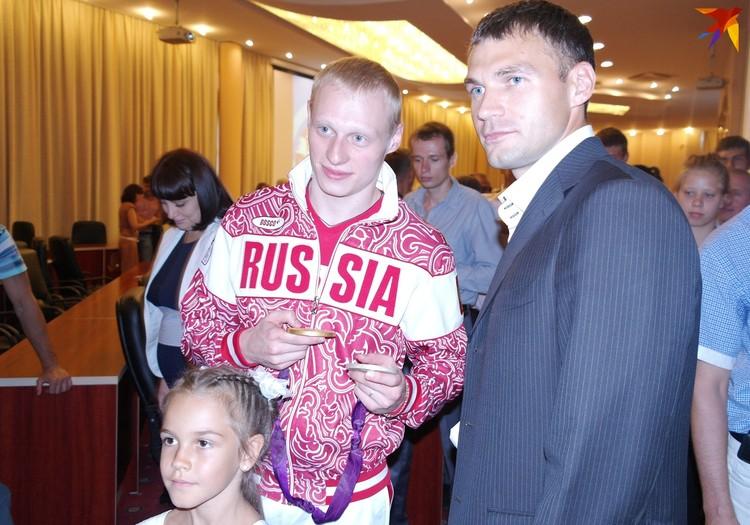 Илья Захаров и саратовский призер олимпиады в Пекине каноист Сергей Улегин