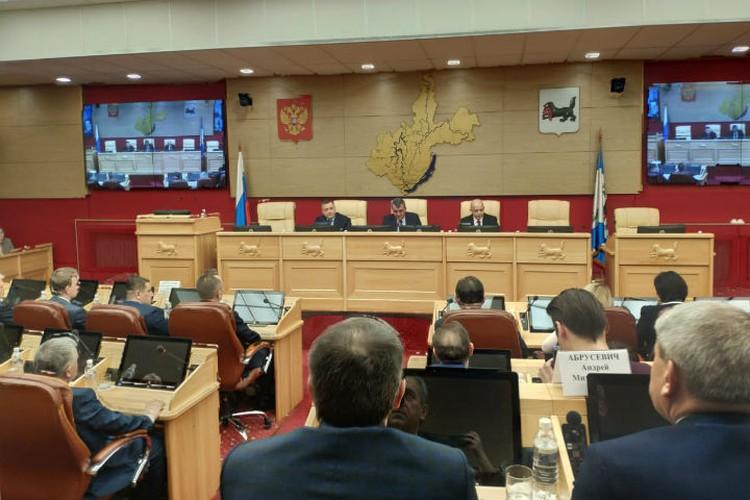 Замглавы МЧС России Игорь Кобзев стал врио губернатора Иркутской области.
