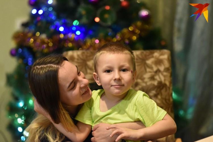 Арина вместе с сыном.