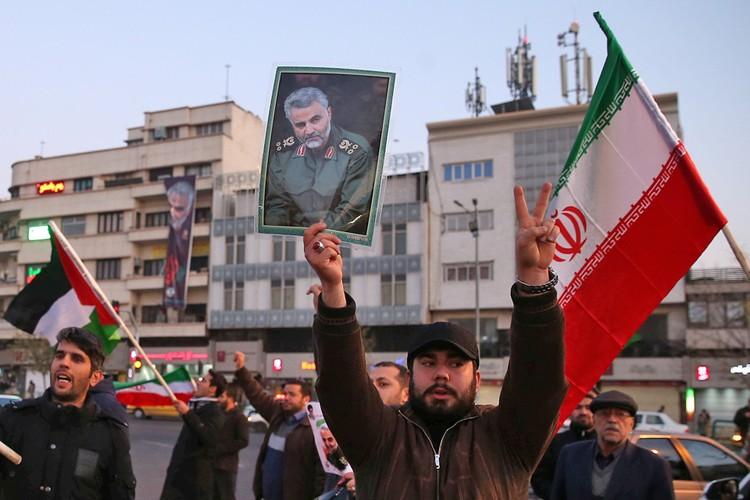 Бомбардировка американской военный базы стала ответом Тегерана на авианалет США на аэропорт в Ираке, где погиб генерал Касем Сулеймани.
