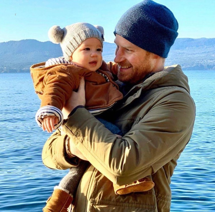 Принц Гарри с сыном.