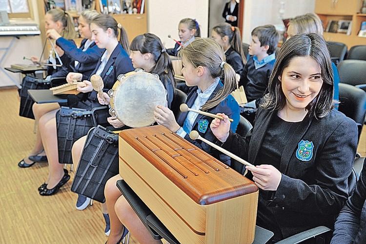 Музыкальные и художественные школы для детей по всей стране будут фактически возрождены заново. На них выделят небывалые деньги.