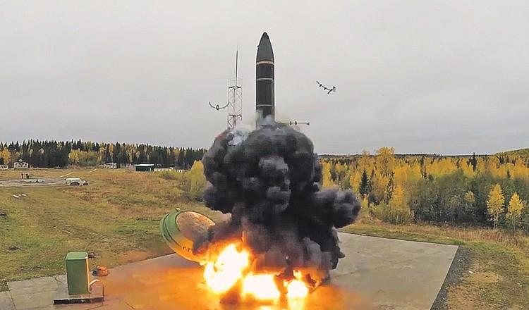 Впервые в истории в области ракетно-ядерных вооружений Россия не догоняет остальные страны, а наоборот - теперь ее вынуждены догонять. Фото: Минобороны РФ/ТАСС