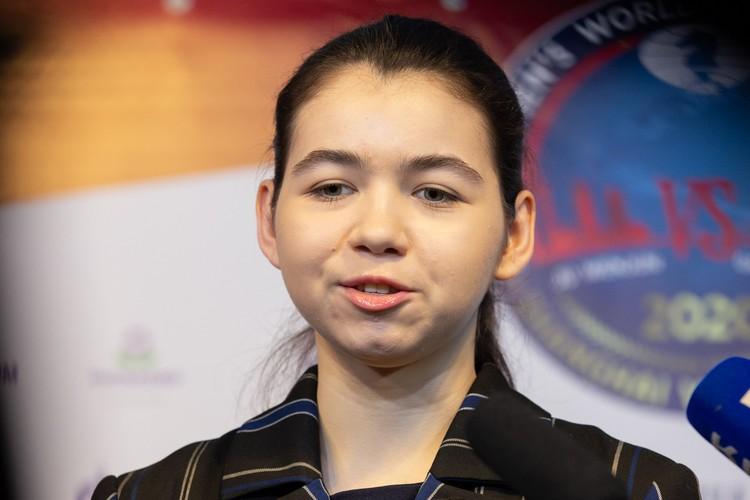 Россия болеет за Горячкину, ведь россиянки не выигрывали мировые чемпионаты с 2008 года