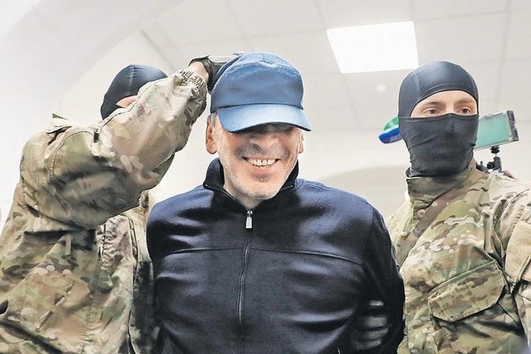 Начальник Исаева премьер Абдусамад Гамидов получил ещё болье — 6,5 лет строгого режима
