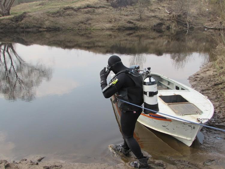 В реках и болотах Влада искали водолазы, но тщетно