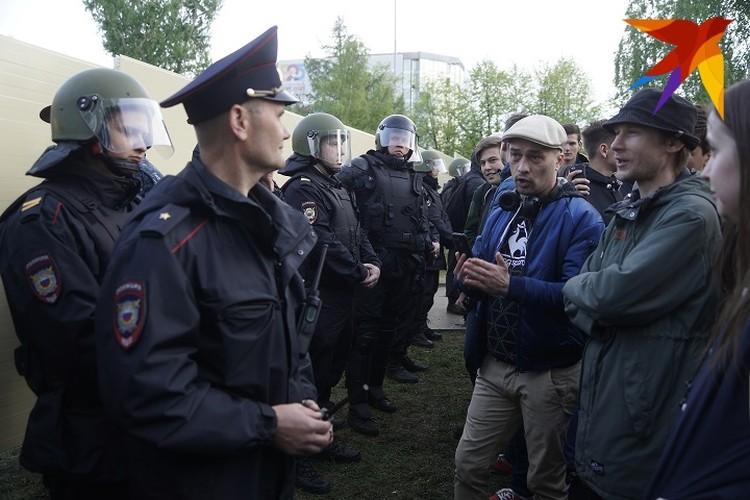 Битва за сквер закончилась лишь после того, как президент Владимир Путин предложил провести опрос среди жителей Екатеринбурга