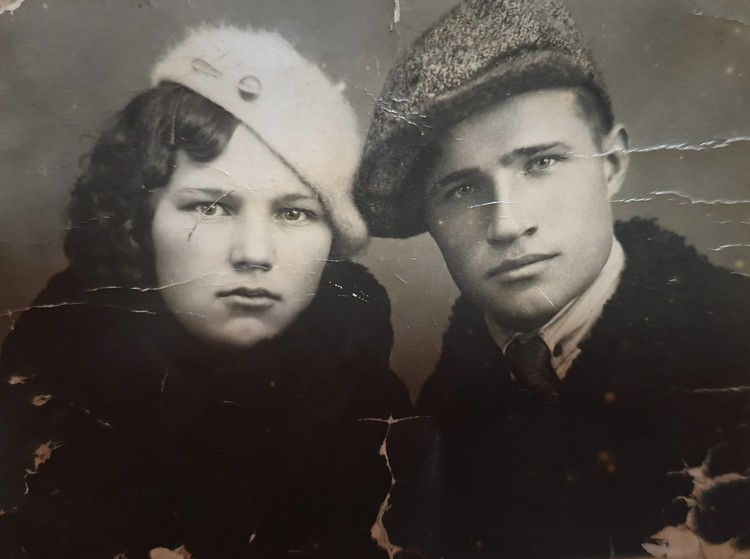 Отец и мать.