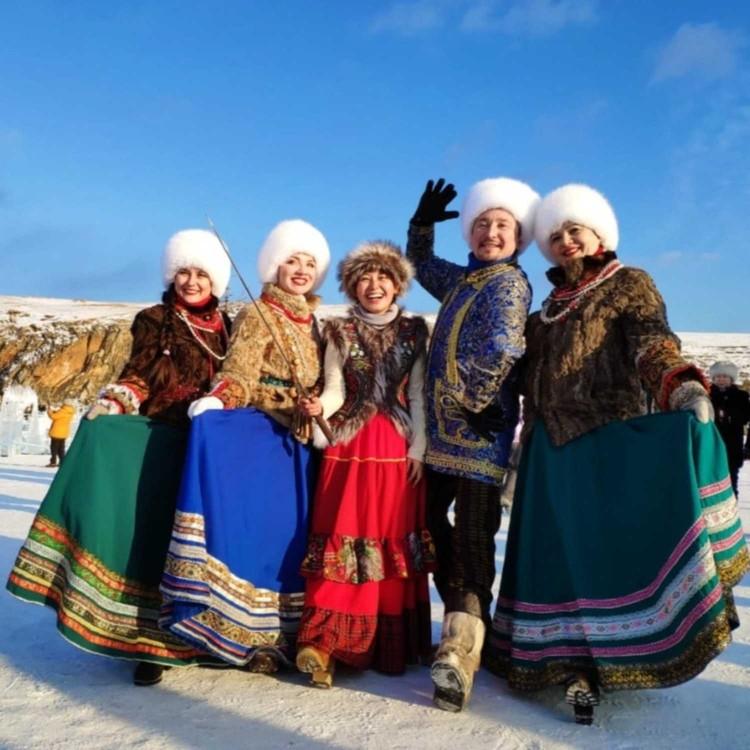 Но и без представителей русской народной культуры также не обошлось!