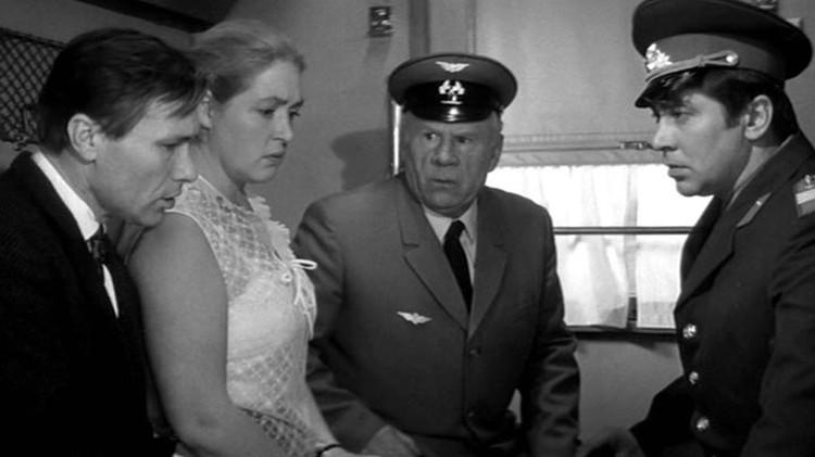 Шукшин и Заболоцкий сняли вместе «Печки-лавочки». Фото: Кадр из фильма
