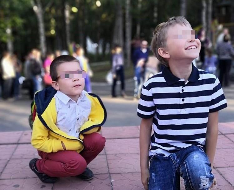Арсений и Юра дружат, несмотря на разницу в возрасте в пять лет. Фото: предоставлено Департаментом образования Администрации города Екатеринбурга