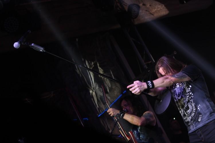 Михаил Житняков: «Идет девятый год, как мы исполняем одну и ту же песню на всех наших концертах, но, с другой стороны, есть понимание, что многие люди, наши поклонники, не представляют себе выступление «Арии» без этой песни».