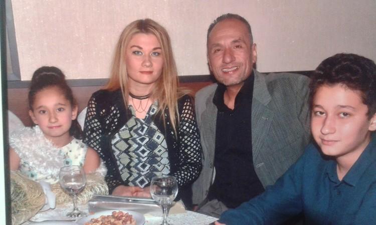Наталья с мужем и детьми. Фото: из архива семьи.