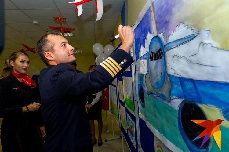 Четыре года Дамир проработал вторым пилотом, прежде чем стал командиром воздушного судна.