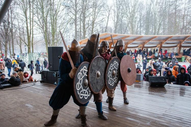 Выступление клуба исторической реконструкции «Вагрия».