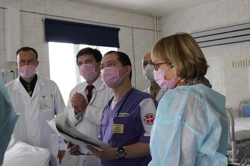 Обсуждение клинического случая с немецкими коллегами. Фото: пресс-служба КДКБ.