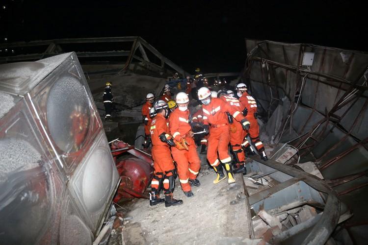 В операции задействовали до 150 сотрудников экстренных служб