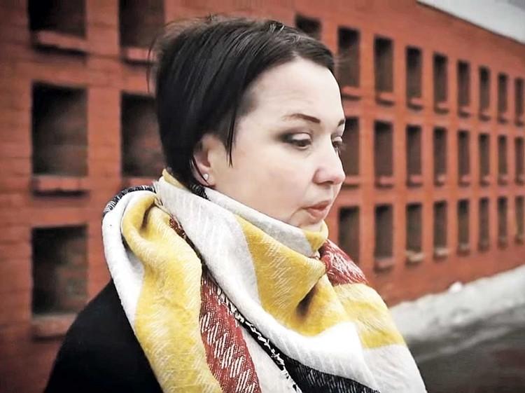 Внучка Людмилы Гурченко Елена Королева не может мирно поделить квартиру с отцом. Фото: Первый канал.