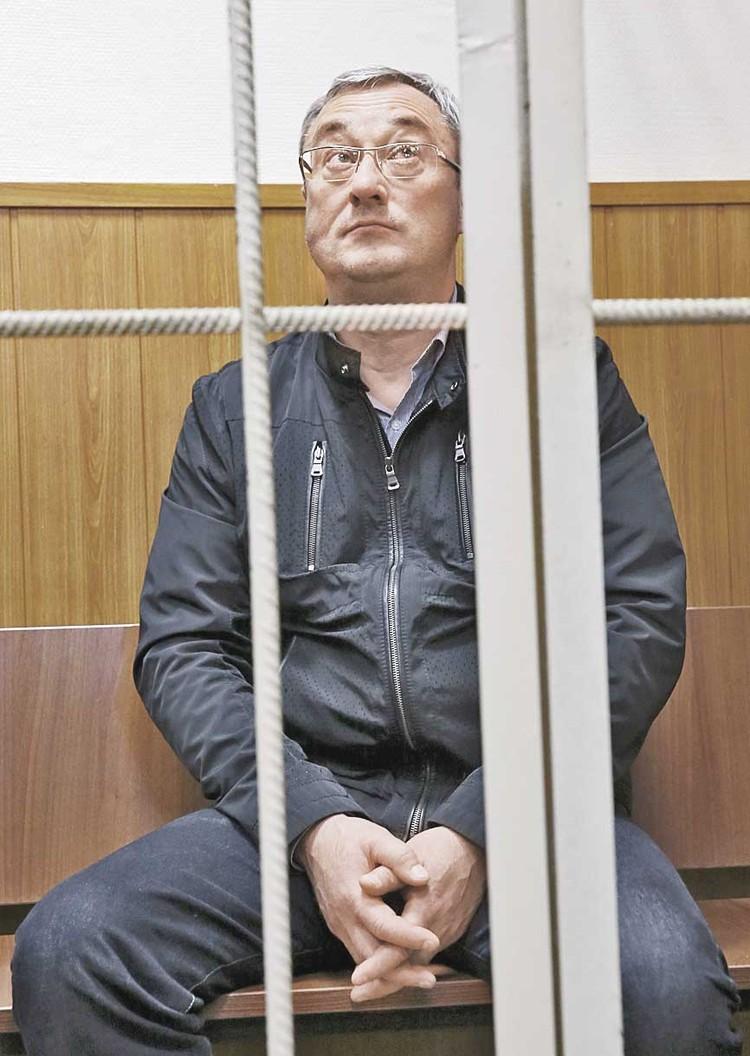 Бывший глава Коми Вячеслав Гайзер уже в колонии - срок пошел.