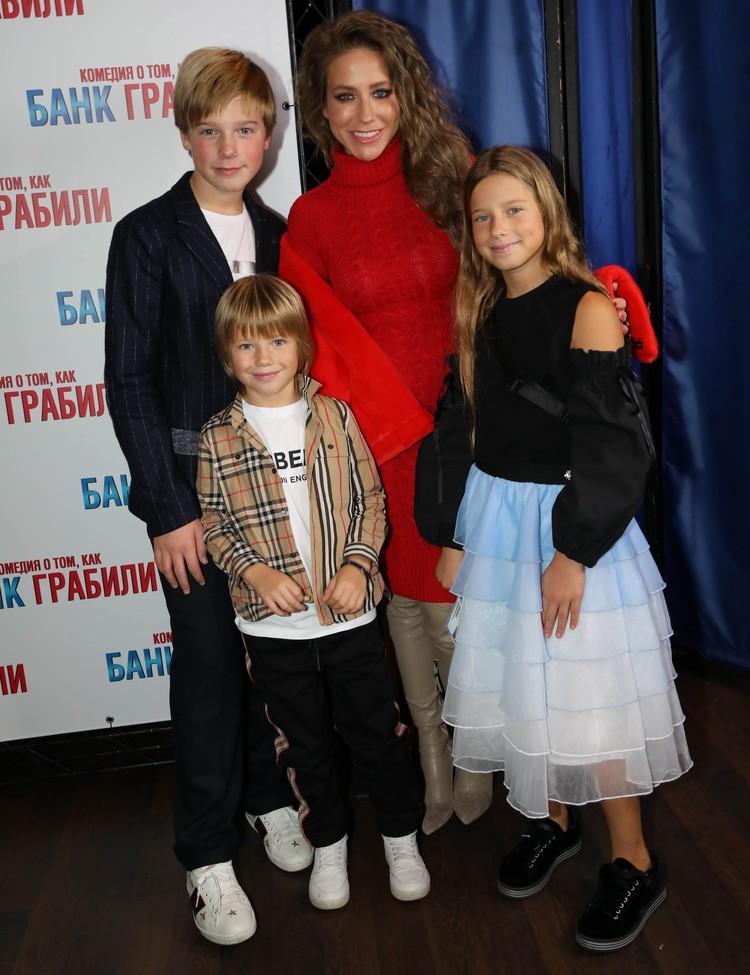 Юлия Барановская растит троих детей от Андрея Аршавина.