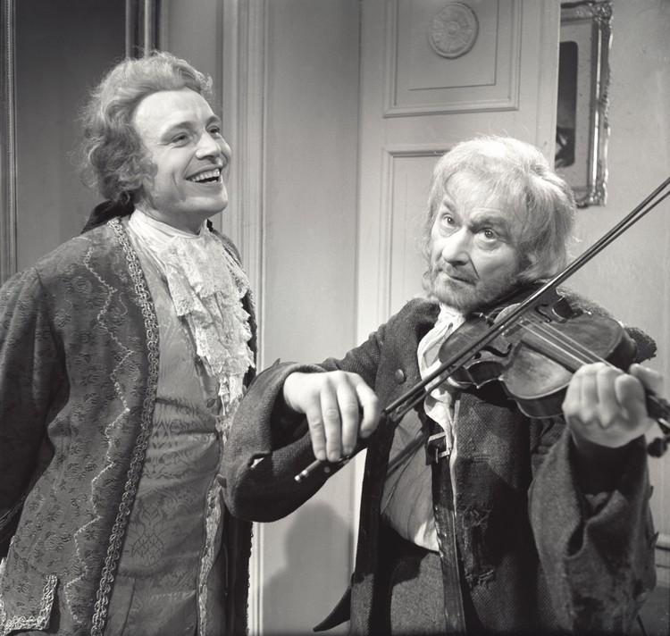 Смоктуновский в телепостановке «Моцарт и Сальери» 1962 года.