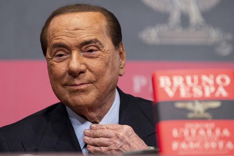 Сильвио Берлускони не спешит уходить на покой в свои 83 года.
