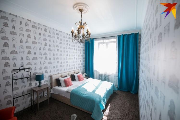 В спальне почти все из «Икеа», кроме белорусской кровати.