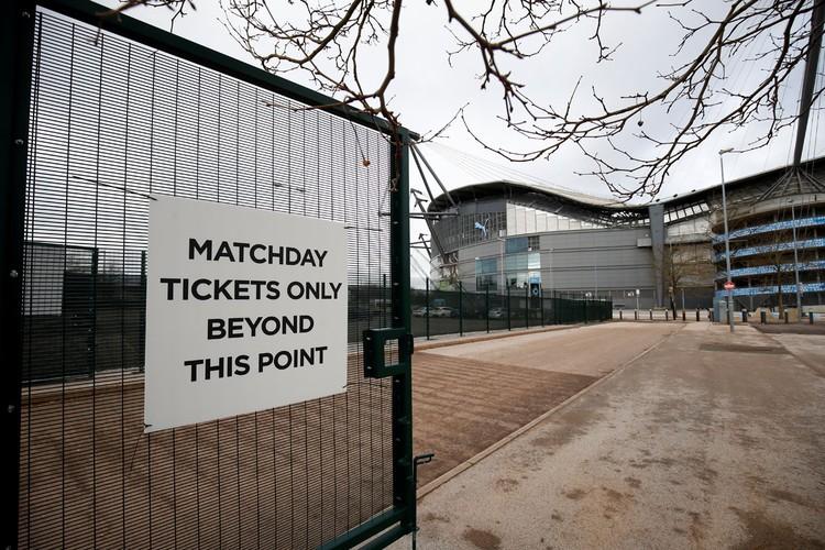 Знаменитая арена «Манчестер Сити» «Эйтихад» превратилась в место для тренингов врачей.