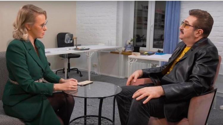 В беседе с Ксенией Собчак Комиссаров раскрыл главный секрет успеха Ольги Бузовой. Фото: кадр видео.