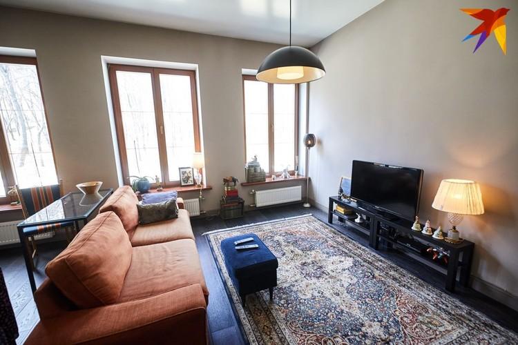 Ольга купила эту квартиру у известного белорусского театрального художника Зиновия Марголина.