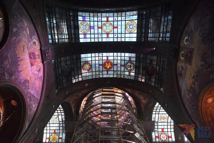 Высота малых куполов - 14 метров 18 сантиметров (1 418 дней и ночей длилась война 1941-1945 годов).