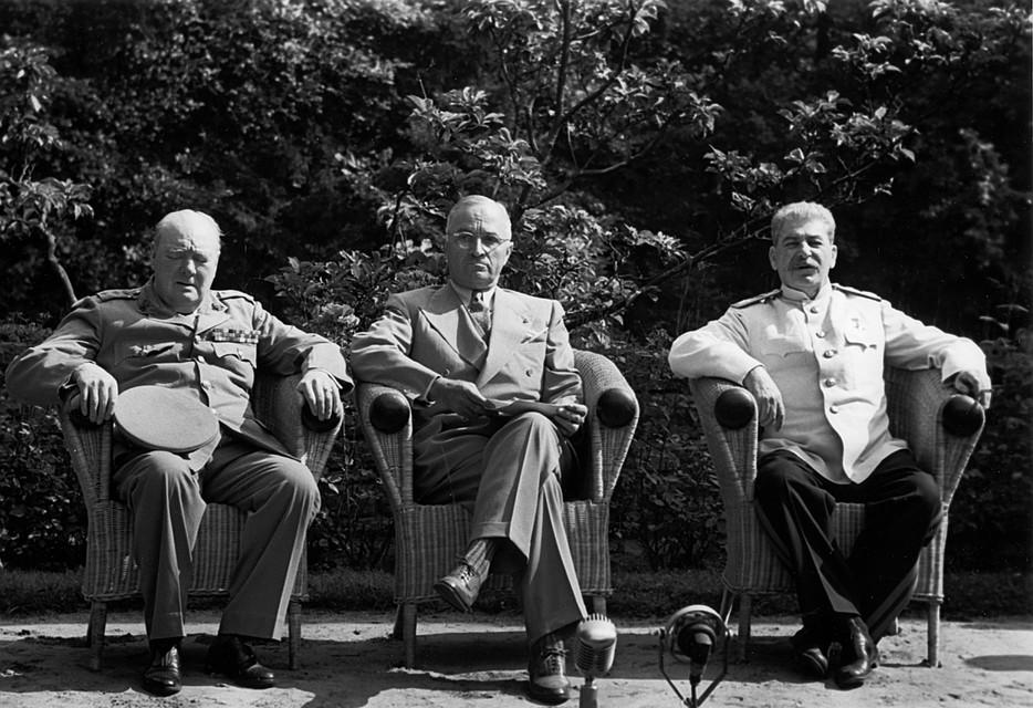Сталин, Черчиль и Трумэн во время встречи в Потсдаме летом 1945 года. Фото: GLOBAL LOOK PRESS