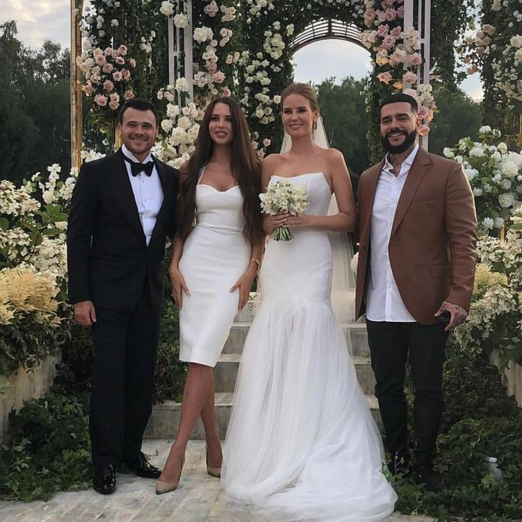 Эмин с женой Аленой и гостями торжества — Тимати и Настей Решетовой.