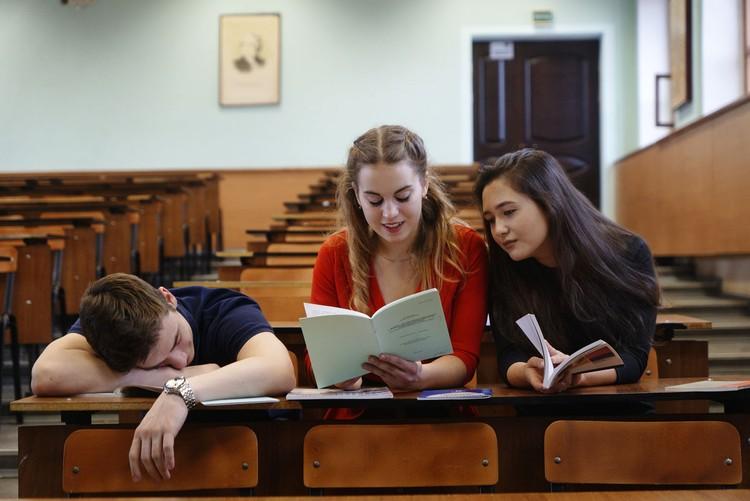 """Студентам к выпускным экзаменам готовиться надо – халява """"не прокатит"""""""