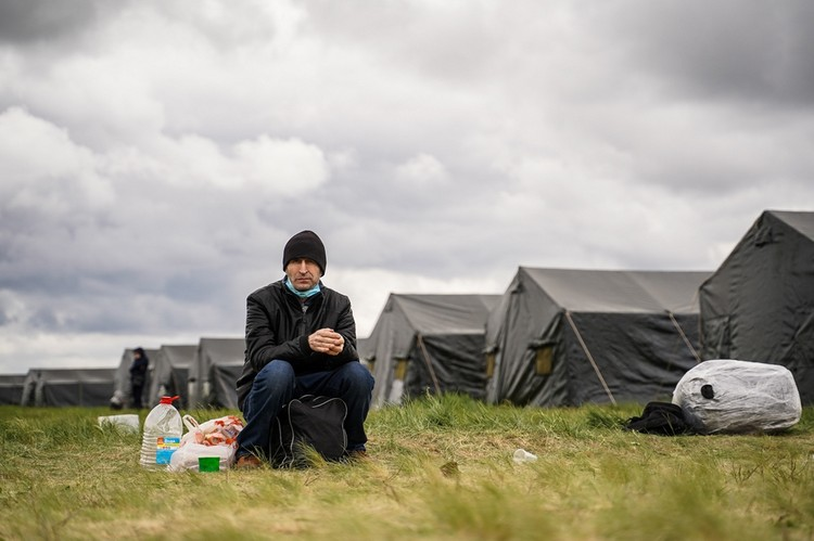 Многие граждане Узбекистана живут здесь по несколько дней