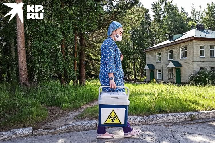 На территории роддома шикарный сосновый бор, но пациенткам здесь гулять не разрешают.