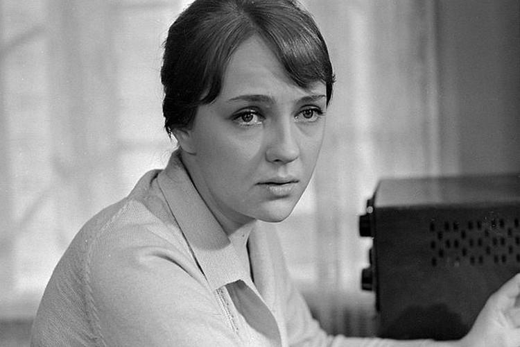 Екатерина Градова в роли радистки Кэт