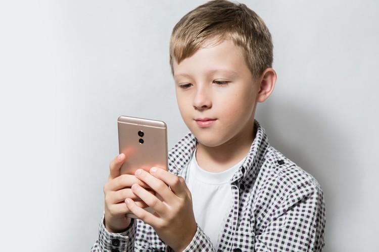 Стать популярным блогером и зарабатывать приличные суммы можно даже в юном возрасте.
