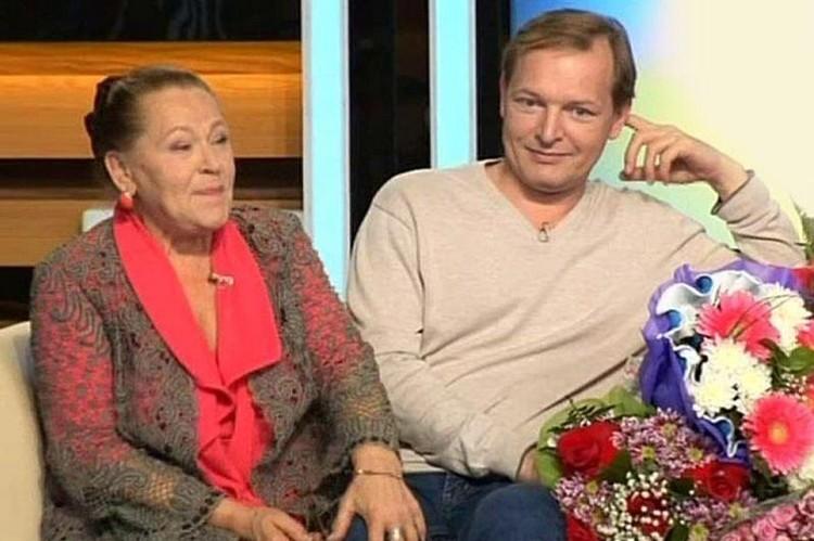 Раиса Рязанова с сыном Данилой.