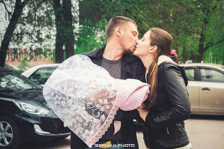 С мужем Александром девушка познакомилась в такси. Фото: instagram.com/stasi_gold/