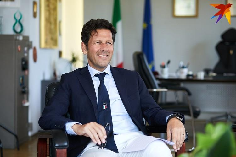 - Итальянцы очень свободолюбивы, очень любят контактировать с друзьями, соседями, это тоже одна из причин, из-за которой эпидемия так быстро распространилась.