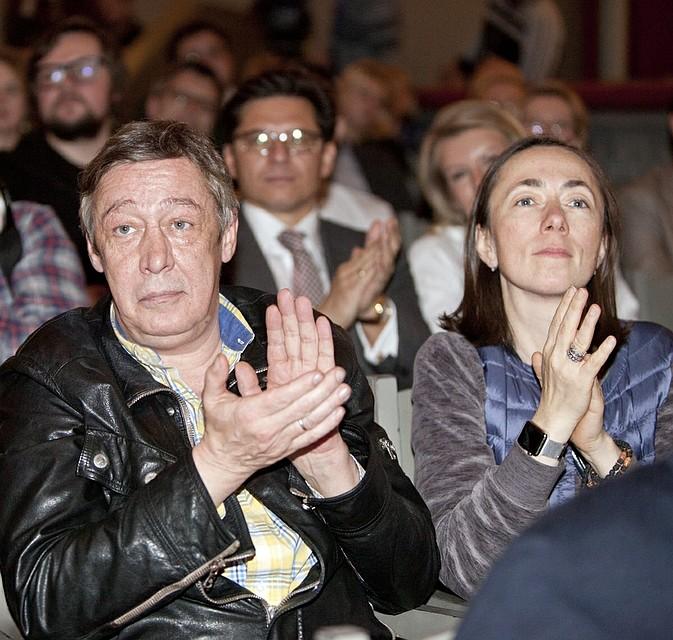 Нынешняя, пятая жена - Софья Кругликова. Фото: GLOBAL LOOK PRESS