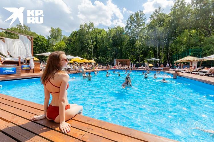 В открытом бассейне никаких ограничительных мер