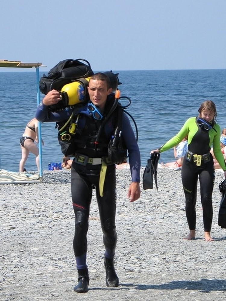 """Тимур говорит, что подобные случаи на побережье происходят каждое лето Фото: Дайвин Клуб """"Дельфин"""""""