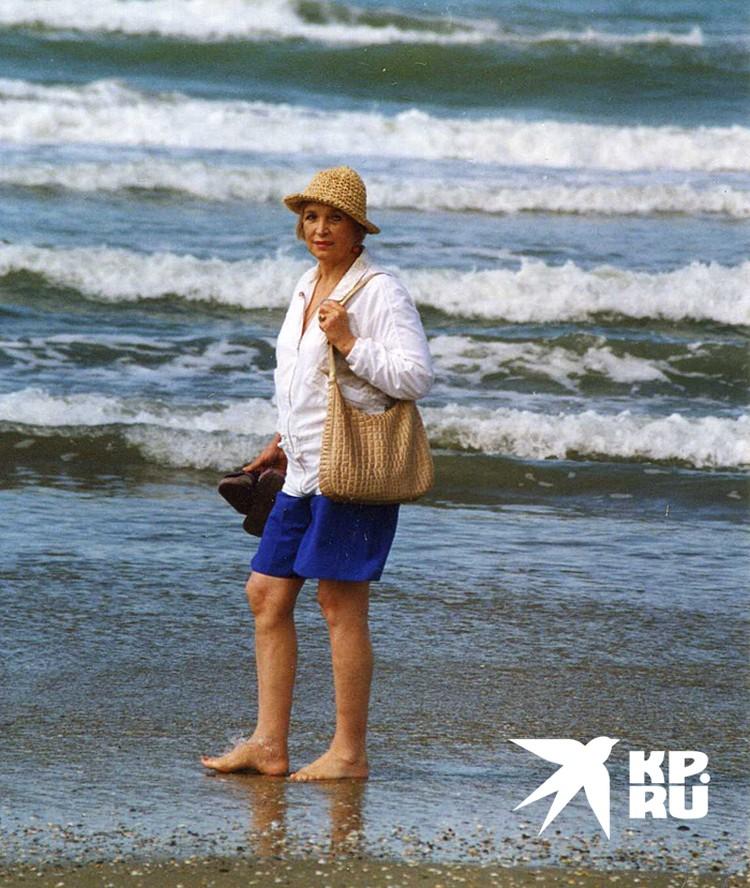 Даже незадолго до своей смерти, когда ей было под 80 лет, она носила мини