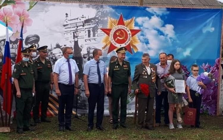 Награждение прошло в торжественной обстановке. Фото: Правительство РО.