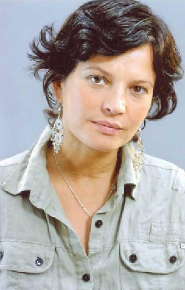 Первой супругой была актриса Елена Гольянова.